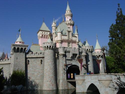 Snow White Castle Cake