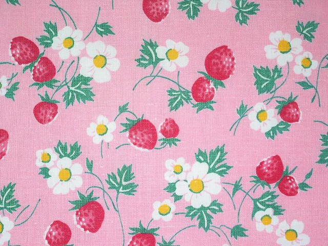 Vintage 1940's Strawberry Blossom Fabric | Niesz Vintage