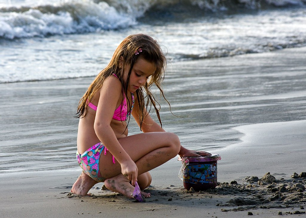 Little nude lolitas  Beach Dig