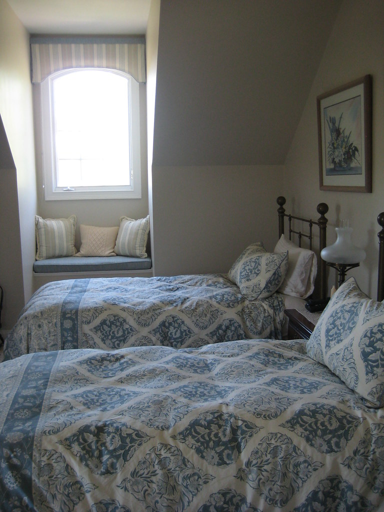 Guest Room Beds Design