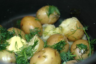 potatoes with dill and garlic and butter | by sassyradish