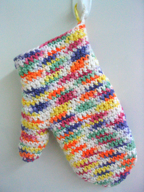 Knitting Pattern Oven Gloves : Crochet Oven Mitt with Peaches-n-Creme cotton yarn in Gumd? meilynne Fl...