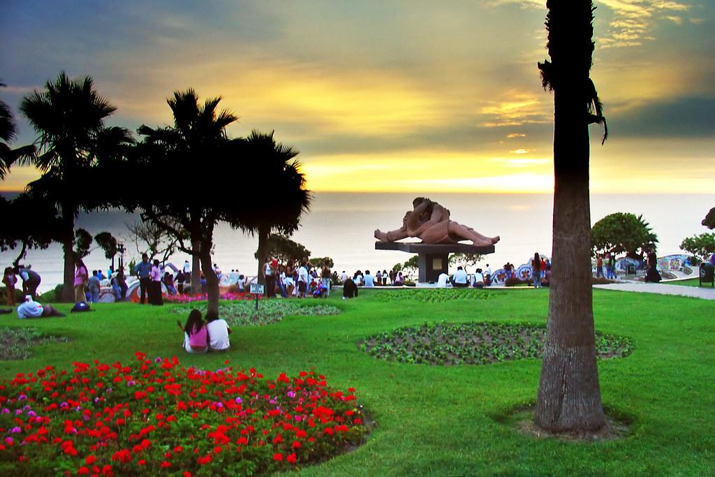 Love Park, Peru 2413728352_508b2bb693_b
