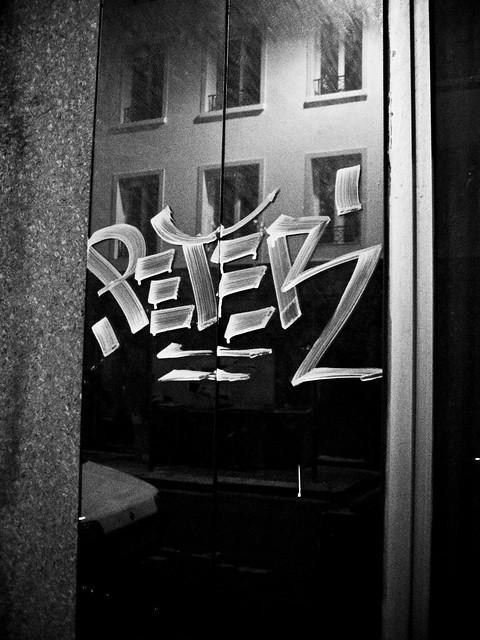 Miroir tagg flickr photo sharing for Miroir noir film