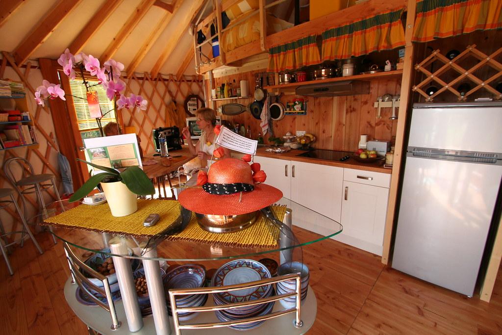 yourte d 39 habitation 037 yourte contemporaine de 68 m us flickr. Black Bedroom Furniture Sets. Home Design Ideas
