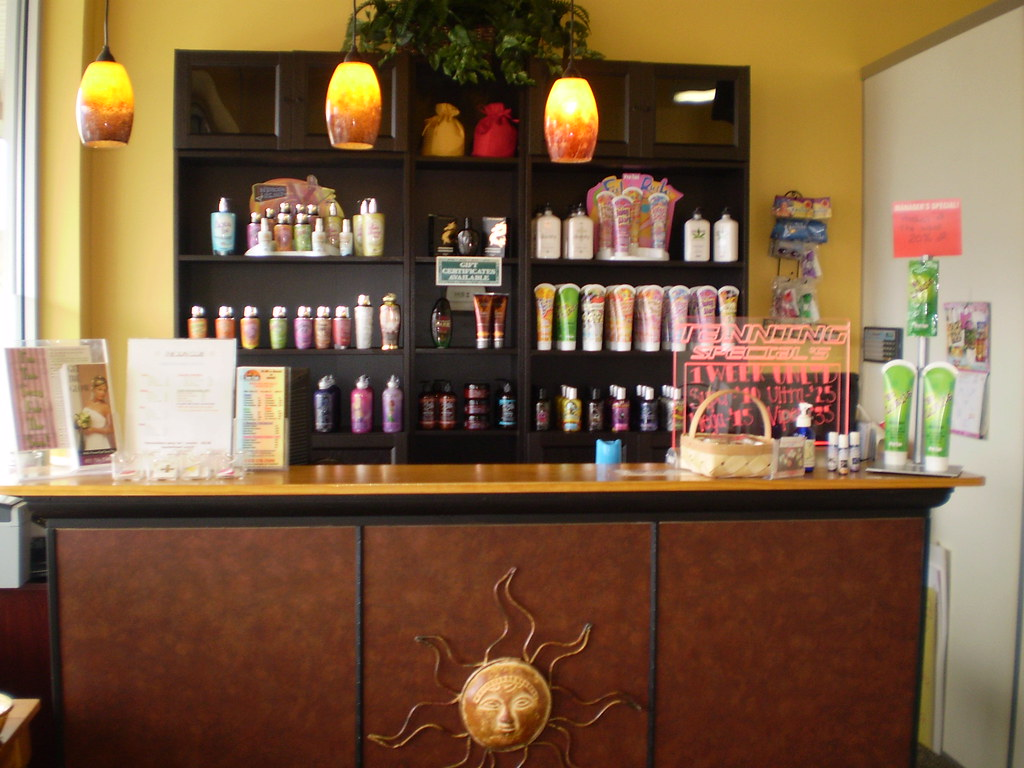 Welcome to the sun club tanning salon the front desk of for R b salon coimbatore