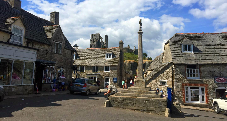 """Castillo de Corfe - La Bruja Novata - Inglaterra castillo de corfe - 32050384653 f140013e30 o - Escenarios de """"La Bruja Novata"""" – Castillo de Corfe"""