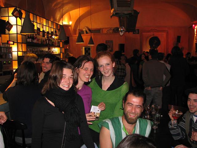 Nimes Cafe Bar Danser