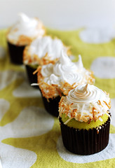 Coconut and Screwpine Cupcakes | by Cik Kiah