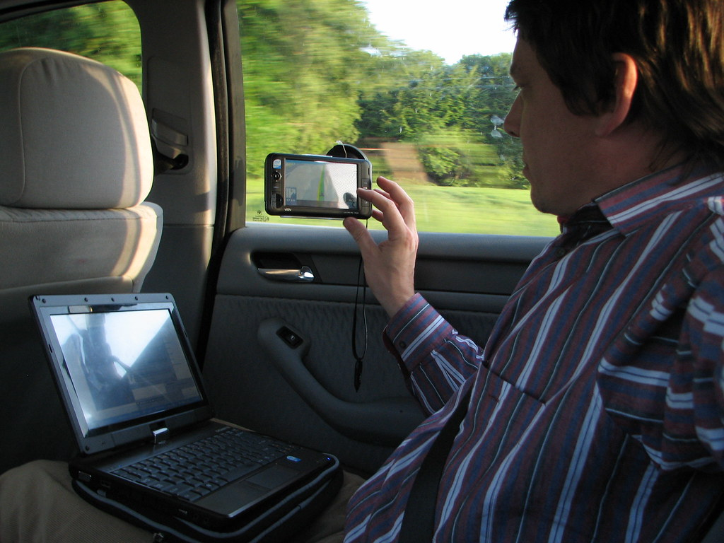 car office with touchnote viliv s5 and shared hsdpa by stevechippy