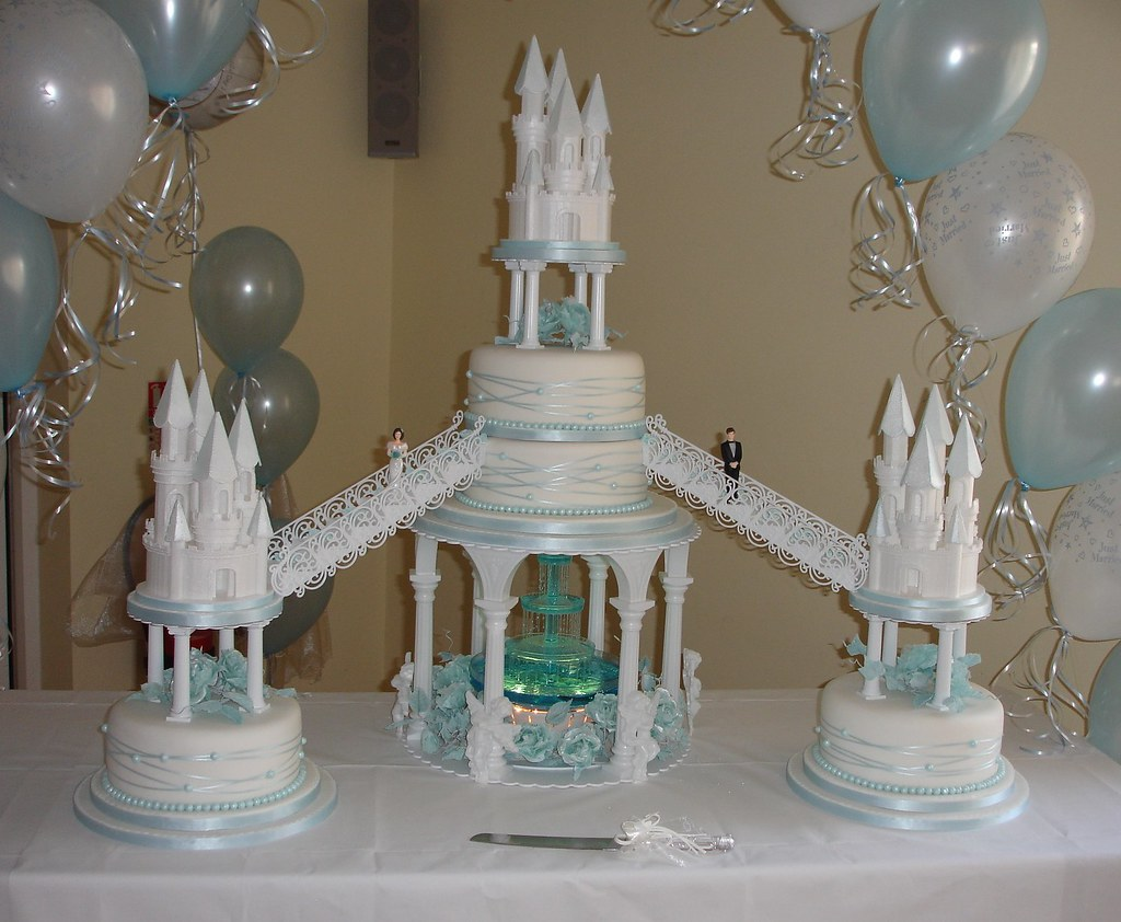Castles Wedding Cake With Fountain Creative Cakes Notts