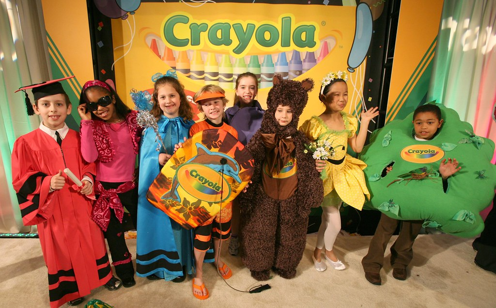 Crayola New Colors | Kids in costume unveil the eight new "|1024|636|?|en|2|498f7bea1efbdff8bc934749594c8afb|False|UNLIKELY|0.37849321961402893