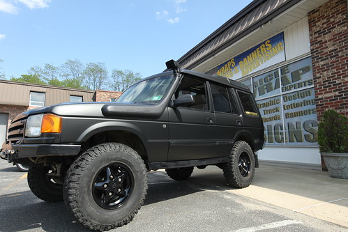 Custom Flat Black Discovery Flat Black Land Rover
