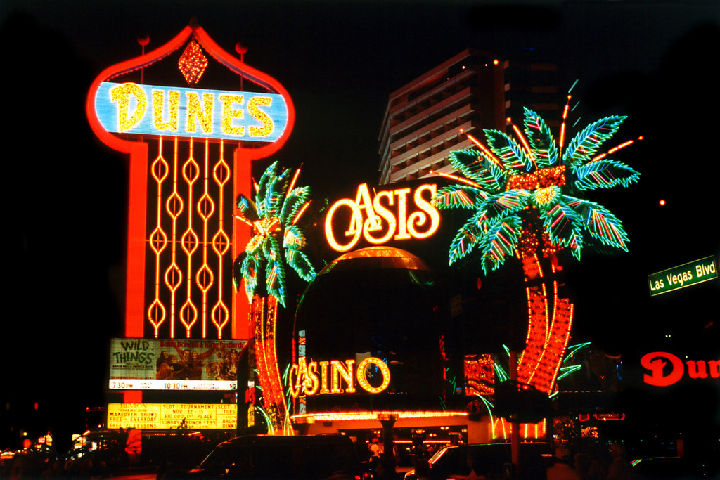 Dunes Hotel, Las Vegas, 1992 | This hotel closed shortly