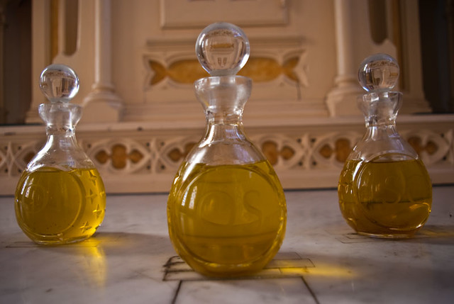「holy oil」的圖片搜尋結果