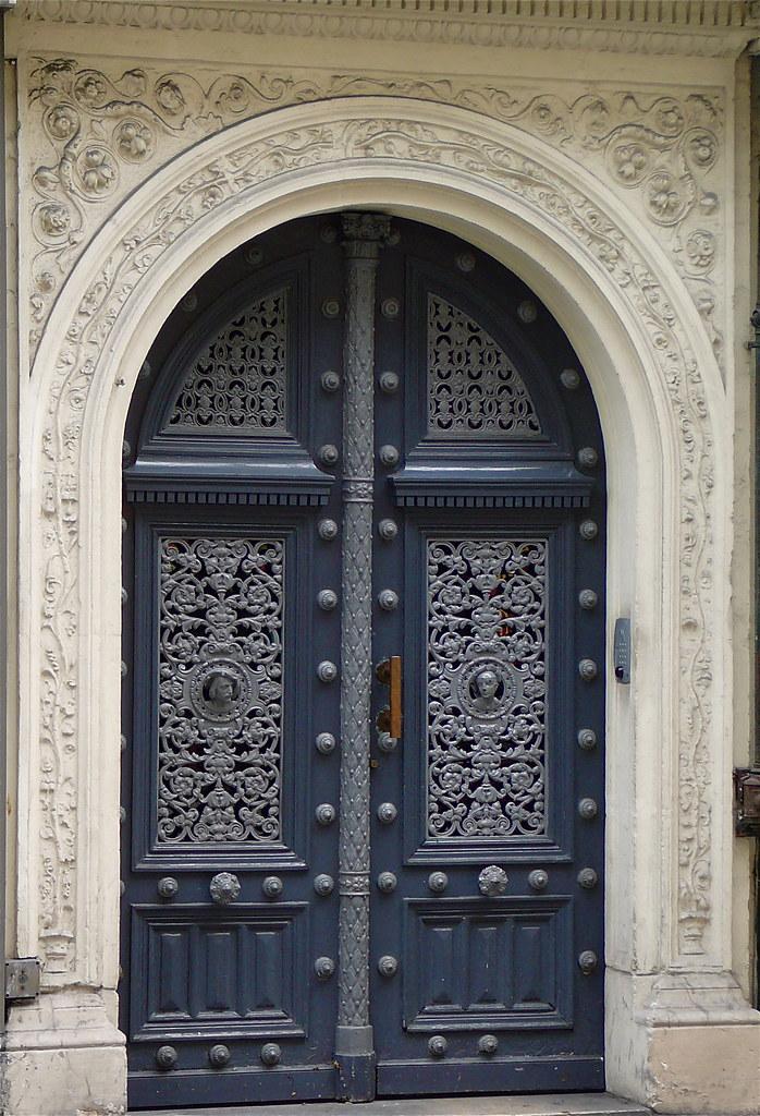 la porte bleu brige flickr