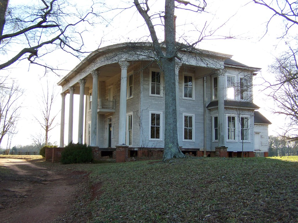 Abandoned southern mansion ron ames flickr for Abandoned plantation homes for sale