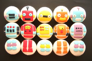 build a ROBOT cupcakes! | by hello naomi