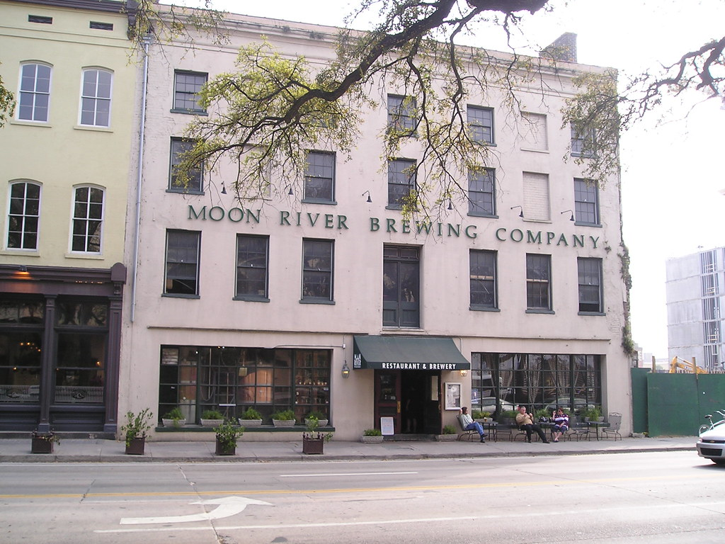 Moon Rever Restaurant In Savannah Ga