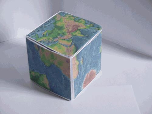 Terre en cube 2 en papier rotation avec le pliage - Faire un cube en papier ...