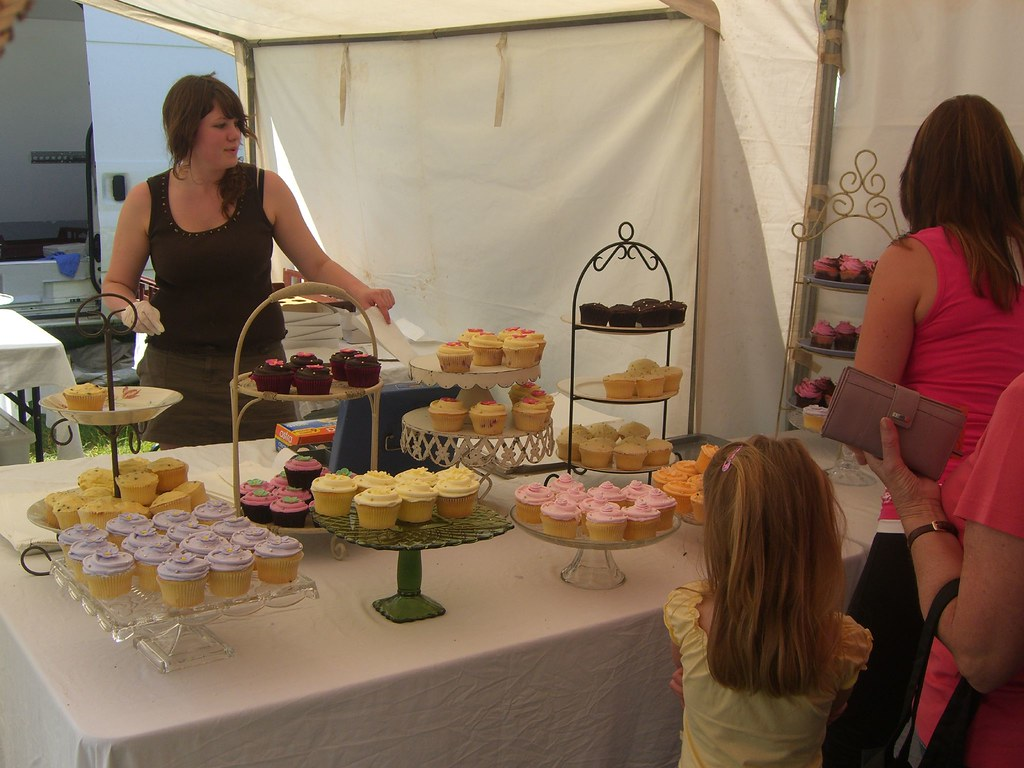 Crabapple Bakery Old Fashioned Cup Cakes Mornington Race