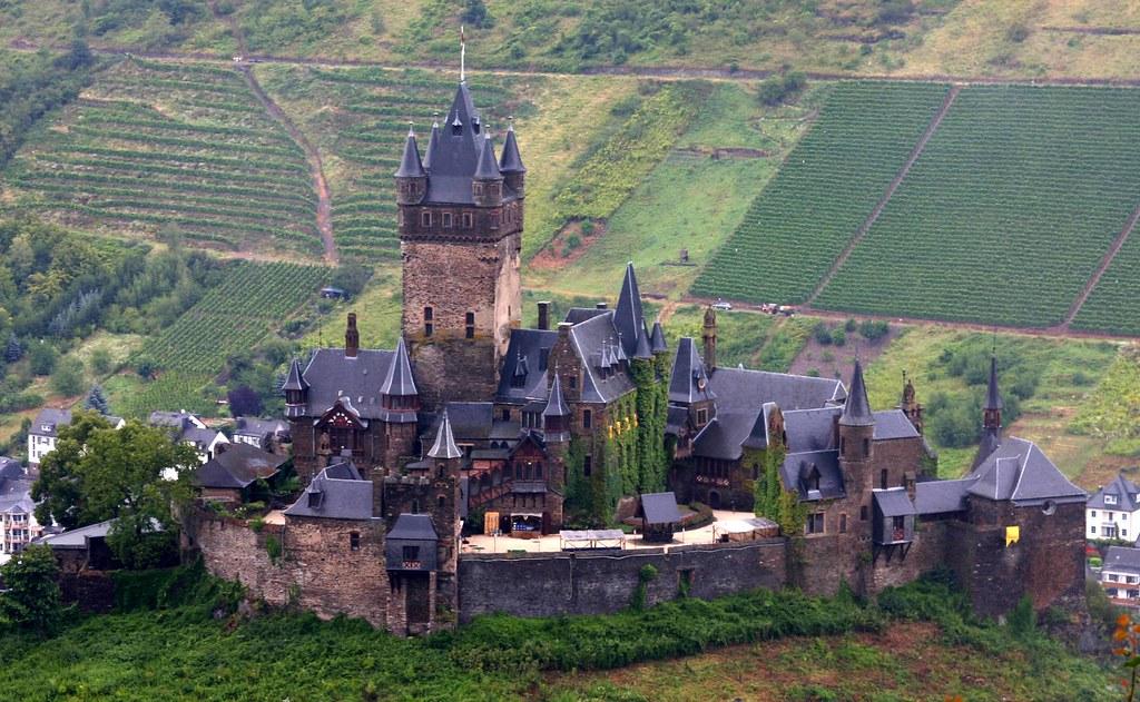 View of reichsburg castle near cochem taken at cochem - Cochem alemania ...