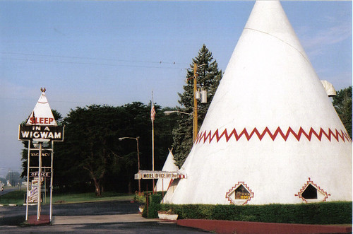 Cave City Wigwam Village | by wendyb104