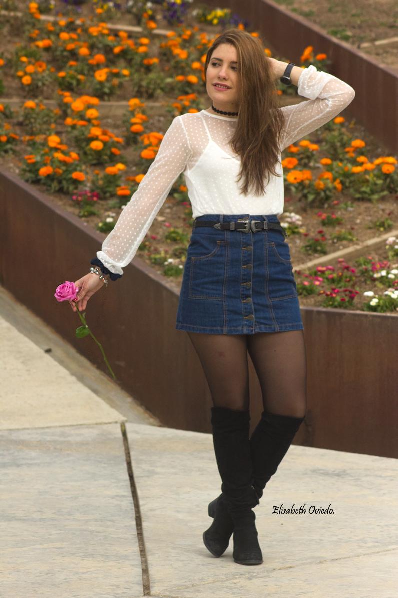 falda midi vaquera abrigo rosa zara heelsandroses botas negras stradivarius (7)