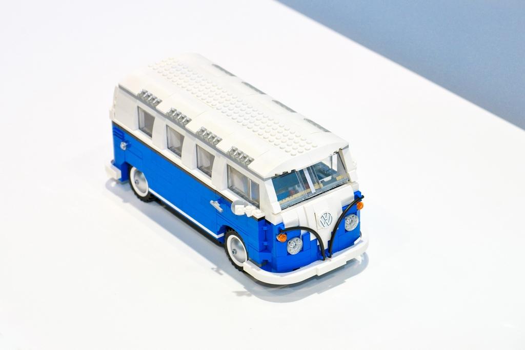 Lego-Volkswagen-Minibus-Atlas-2017-Chicago-Auto-Show (2)