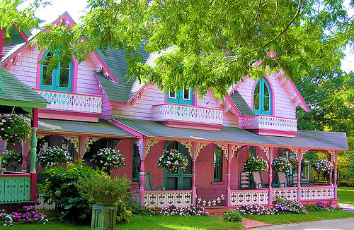 Gingerbread house martha 39 s vineyard this one 39 s my for Martha s vineyard gingerbread cottages