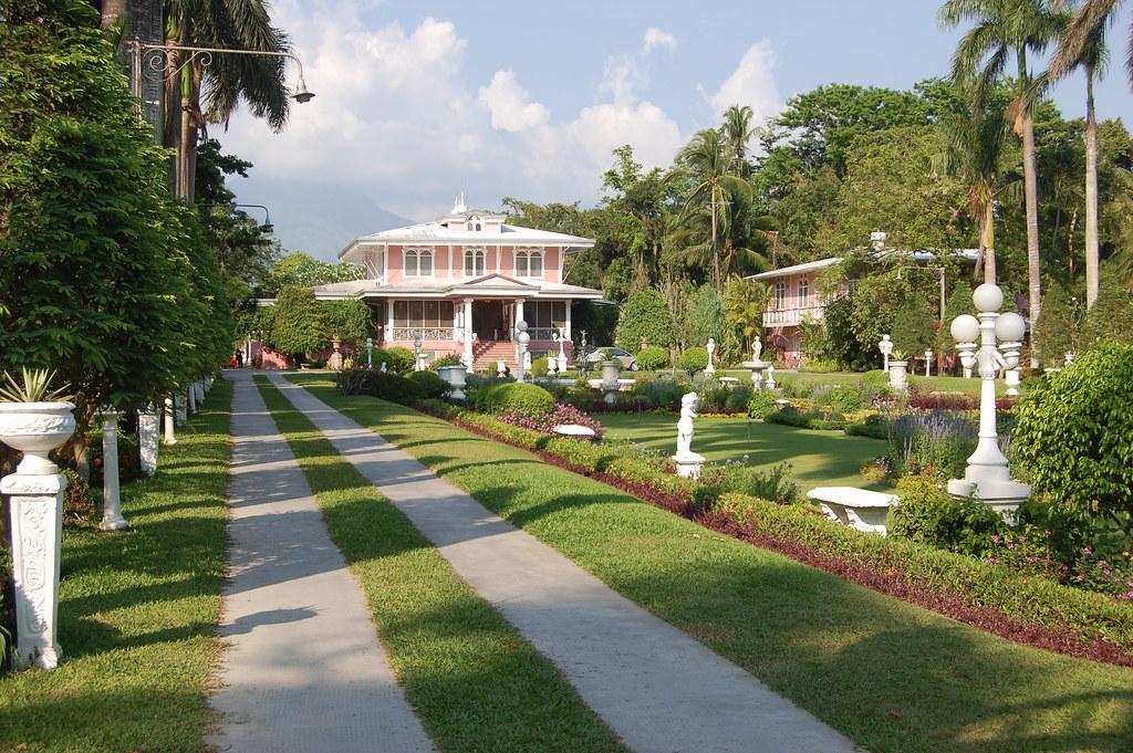 Villa escudero residence villa escudero plantations is Villa escudero quezon province