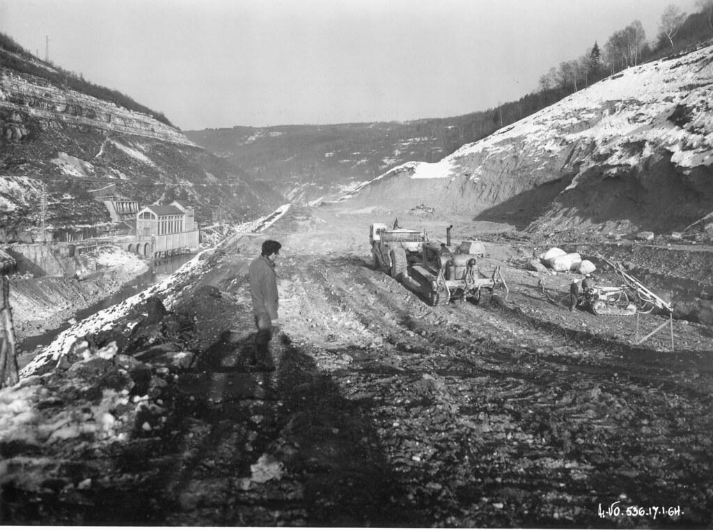 Construction du barrage de vouglans jura fouilles dans l flickr - Barrage de l odeur ...