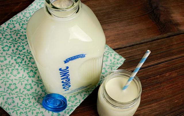 cream-top-straus-milk