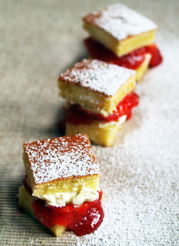 Strawberry Jam Cheese Cake