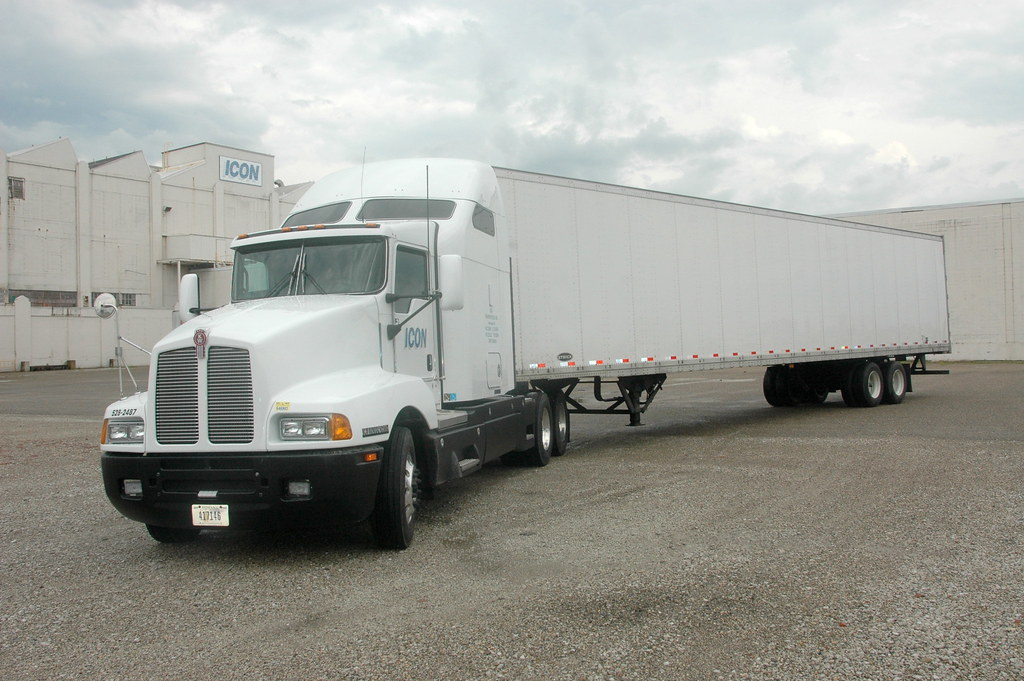 PacLease-ICON Transportation-Kenworth T600 with trailer ...