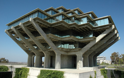 University of California San Diego (UCSD) Central Library | by VSmithUK