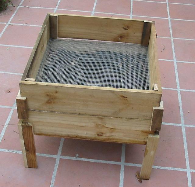 DIY wooden worm bin II