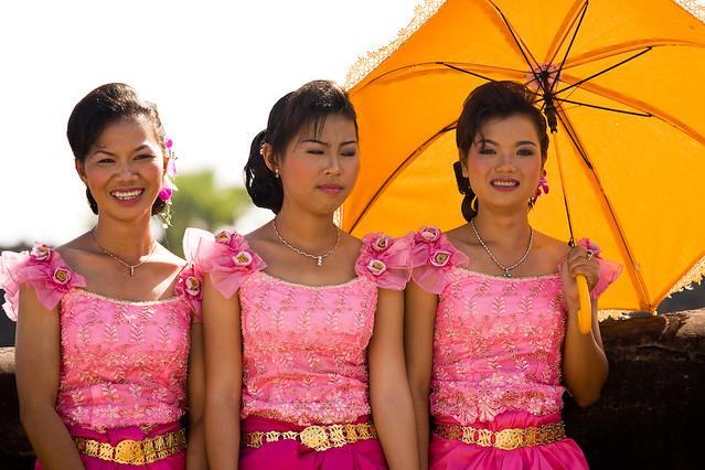 pretty cambodian ladies