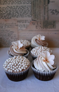 Wedding cupcakes | by kylie lambert (Le Cupcake)