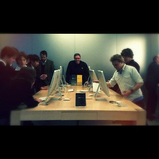 Did you enjoy yourself or what? @sutto007 #sydney #apple store #iphoneography #exhibition #instasyd | by alexkess