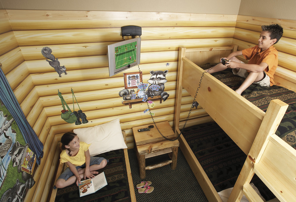 Great Wolf Lodge Kid Cabin Suite Photo Courtesy Of