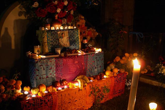 Image result for dia de los muertos ofrenda