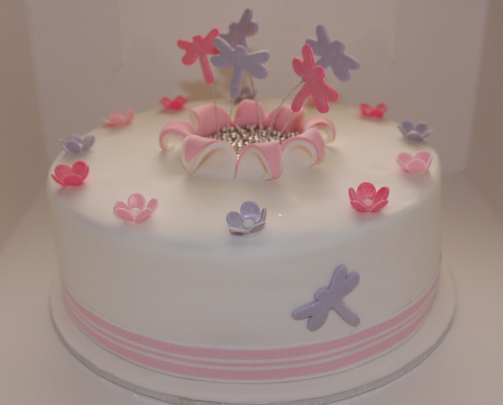 Dragonfly Birthday Cake For A Special Gril Katinhac Flickr