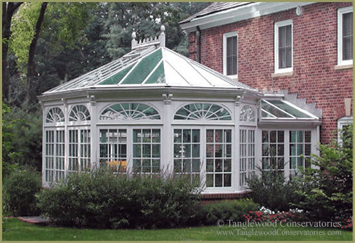 Victorian garden room conservatory this small victorian for Victorian garden room