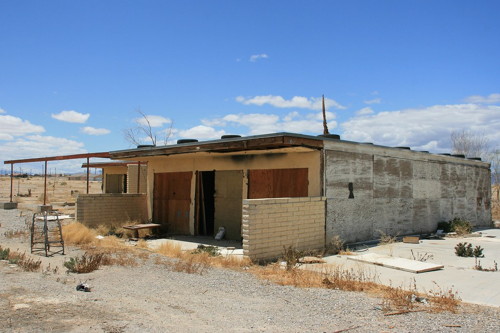 Abandoned Apartment Building In Salton City Map It