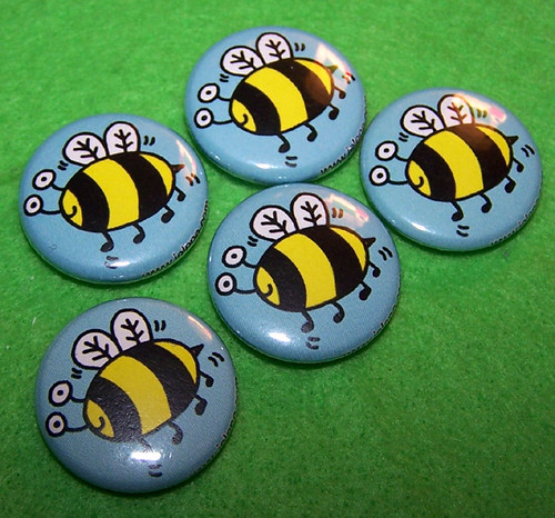 bee buttons | by jelene