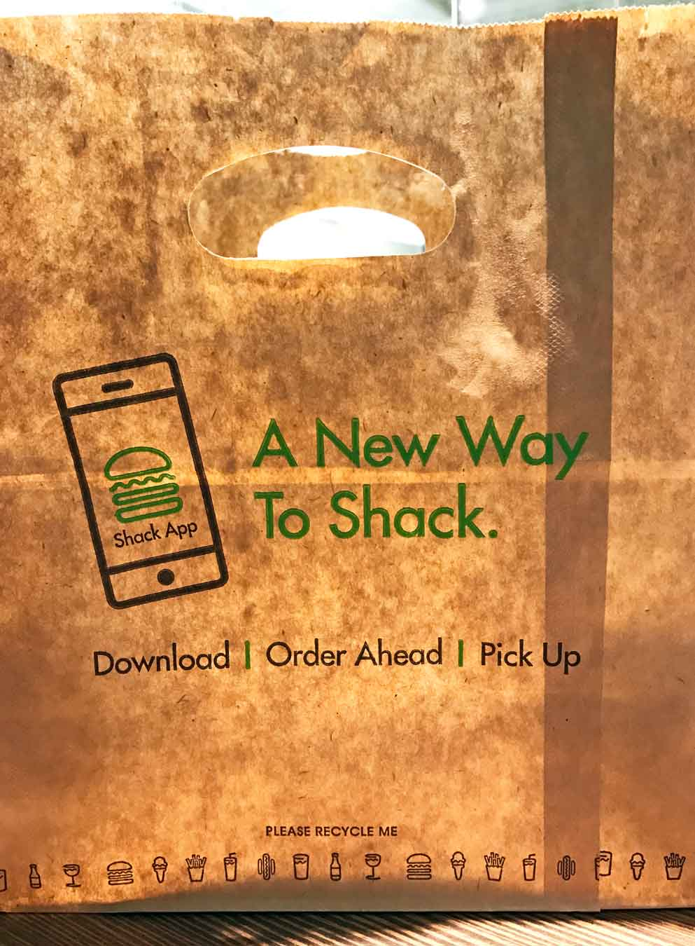 Shake Shack App Lets You Order Food On Your Phone & Receive A Text When It's Ready to Pick Up. /// Shake Shack Detroit Might Be Your New Favorite Burger Spot /// - From sandwiches, fries, and shakes to local flavors and an awesome location, learn why long-time fans and newbies alike are sure to love the new Shake Shack in Downtown Detroit, Michigan. /// via Wading in Big Shoes