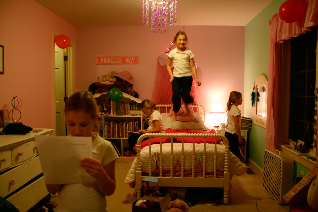 Attack of the clones kelly kelly in her bedroom 2007 for R kelly bedroom boom