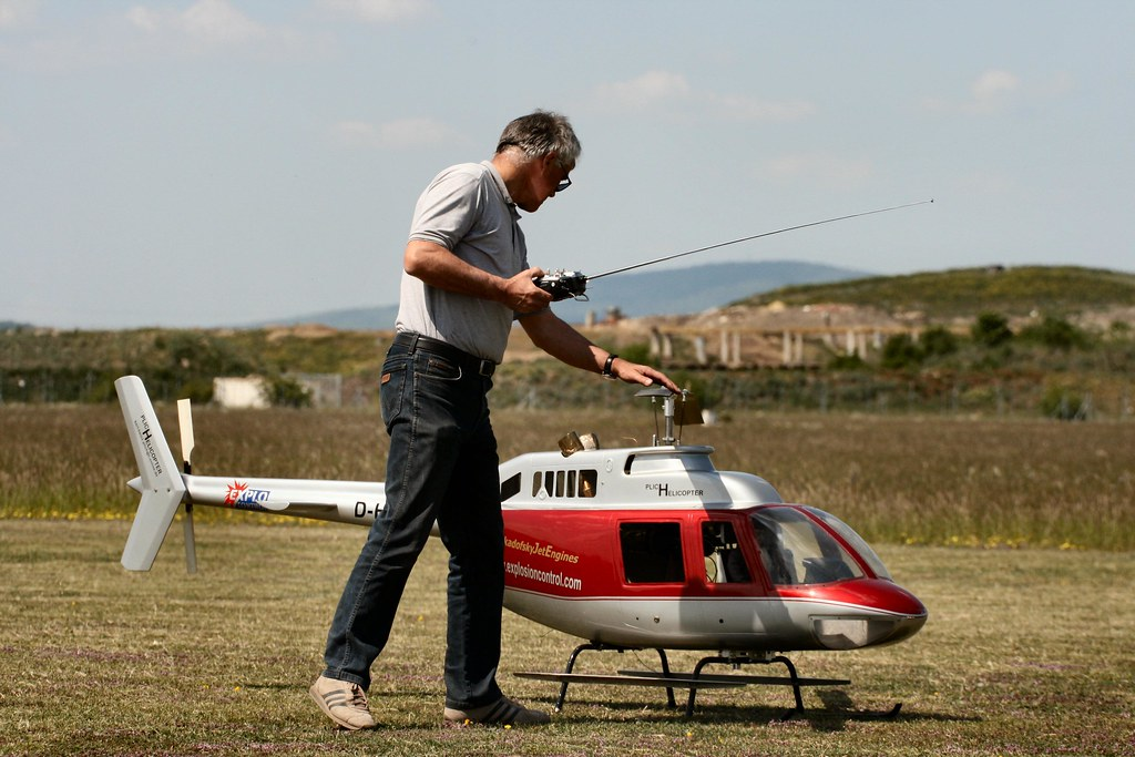 3d helicopter rc with 2488937902 on 2488937902 likewise Sab Goblin 570 Helicopter Kit Kyle Stacy Edition likewise T625669p25 as well Tail Servo And Gyro Setup additionally Diy 3d Printers Made From Wood.