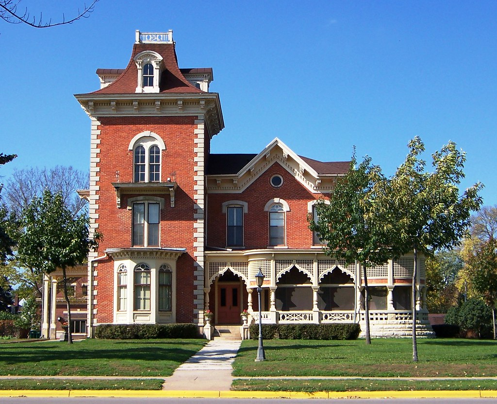 Winona mn huff lamberton house on the national register for Building a home in mn